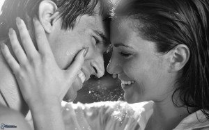 اليكم اجمل واروع كلمات عن الحب والغرام والرومانسيه dans mes preferences images.4ever.eu-heureux-couple-rire-160566-300x187
